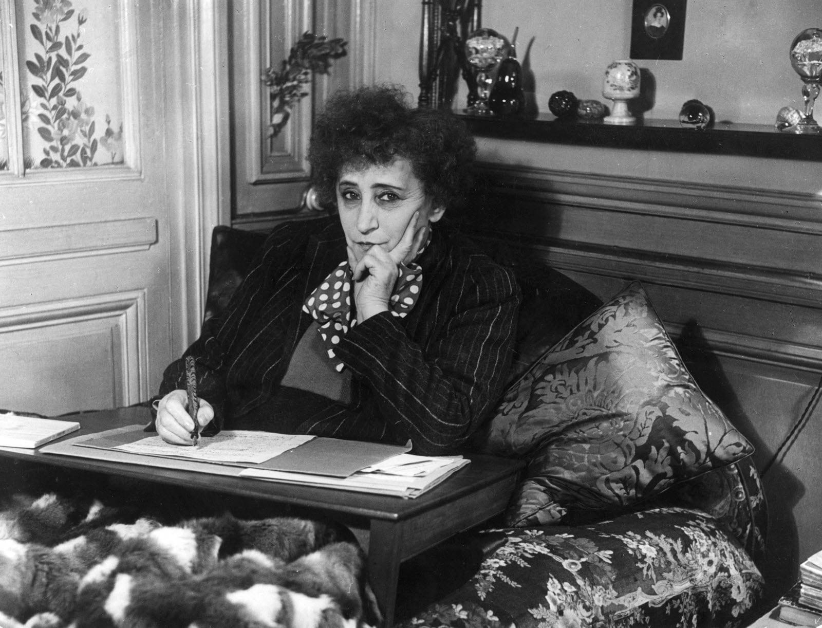 Colette, escritora camuflada y cabaretera famosa - ACALANDA Magazine